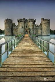 England Bodiam Castle East SussexSOURCE: http://500px.com/photo/4127775